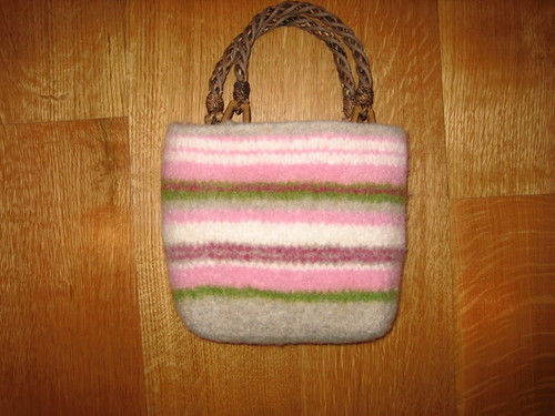 felted bag – pretty in pink knitting tutorial
