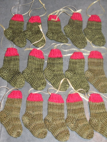 Knitting Socks from Around the World: 25 Patterns in a
